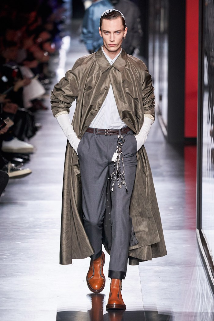 Dior menswear winter 2020 Vogue Runway trouser jewellery