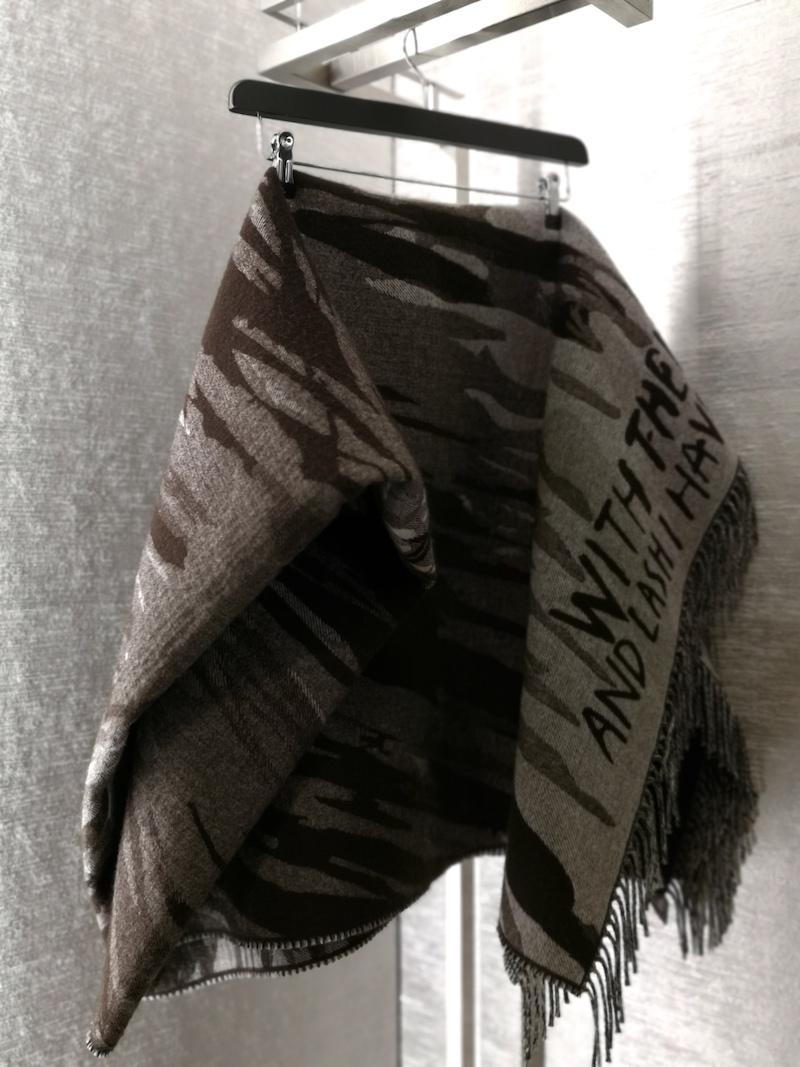 Dior menswear aw19 Raymond Pettibon blanketDior menswear aw19 Raymond Pettibon blanket