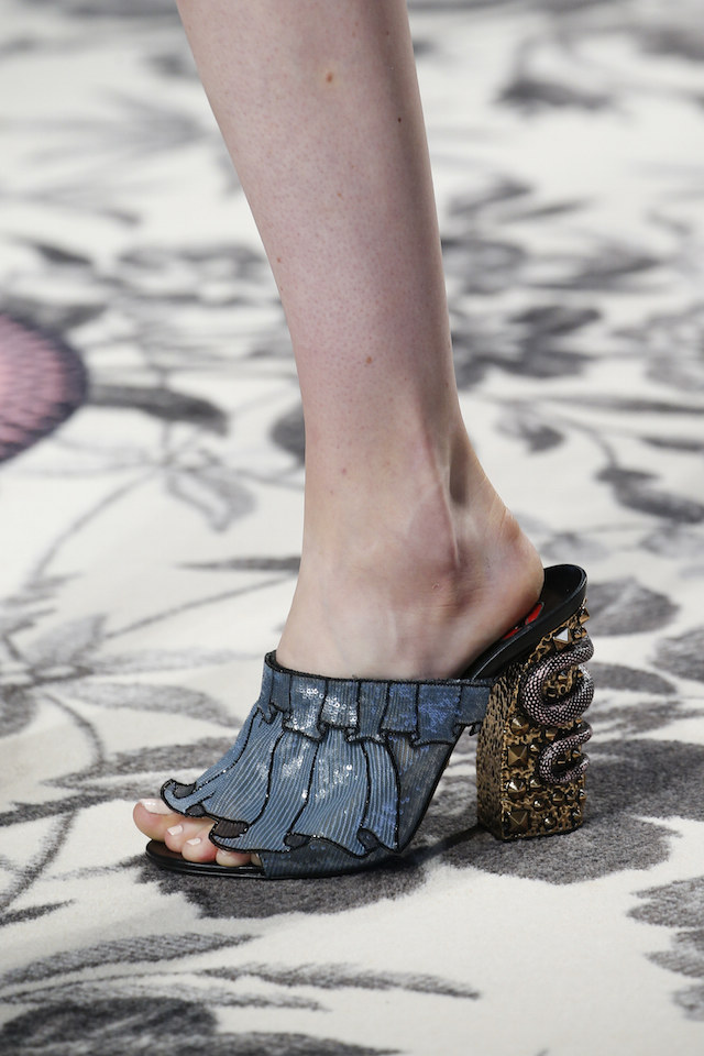 Gucci mules ss16 - with lavish snake embellishment