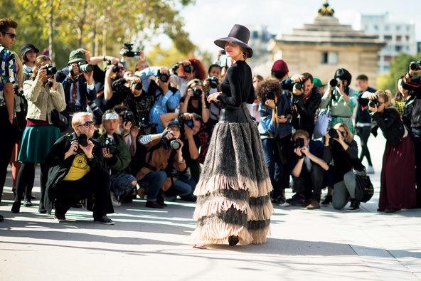T-Magazine-Fashion-bloggers-fashion-week-circus