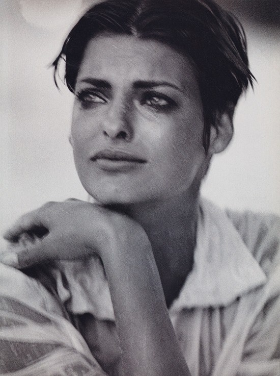 Linda Evangelista by Peter Lindbergh for Vogue Italia December 1989