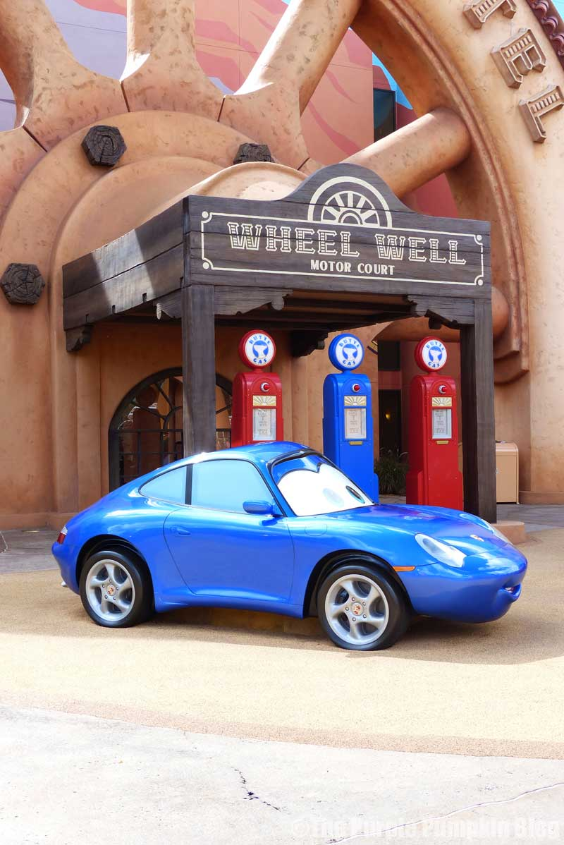 Disney's Art of Animation Resort - Cars Courtyard - Sally Carrera Model