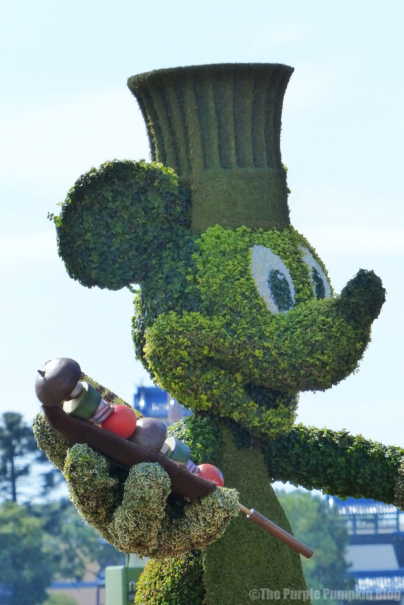Epcot Food & Wine Festival 2015 - Mickey Mouse Topiary