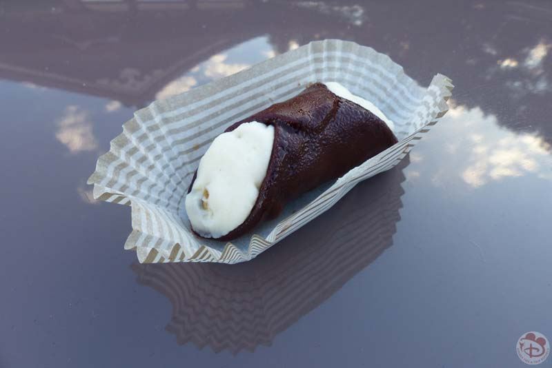 Cannoli al Cioccolato - Epcot Food & Wine Festival