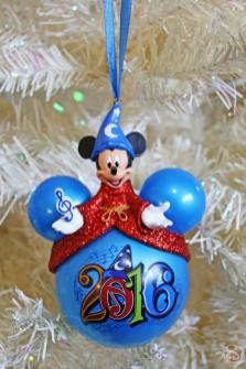 Walt Disney World 2016 Mickey Mouse Christmas Ornament