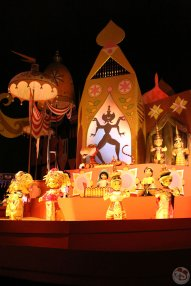 Day 24: It's A Small World After All » Magic Kingdom / Dinner at Red Lobster