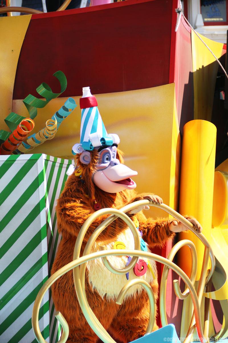Move It! Shake It! Dance & Play It! Street Party - King Louie