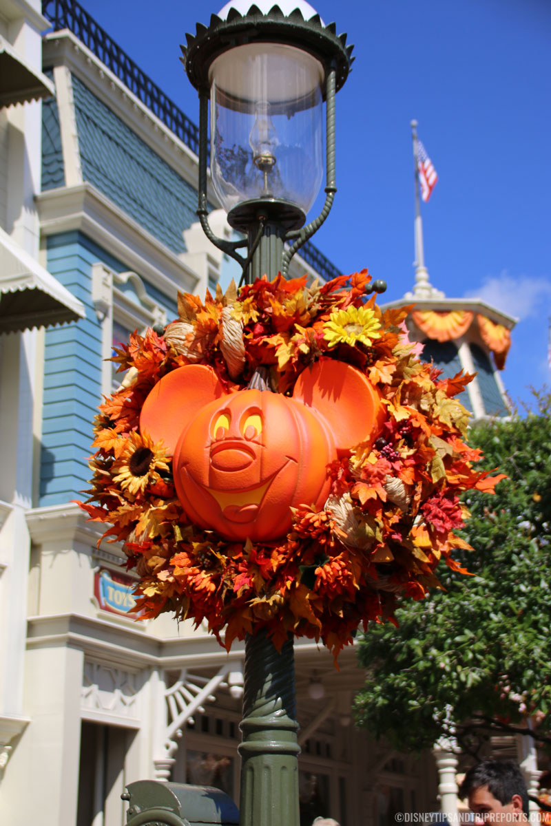 Magic Kingdom - Pumpkin Mickey Wreath