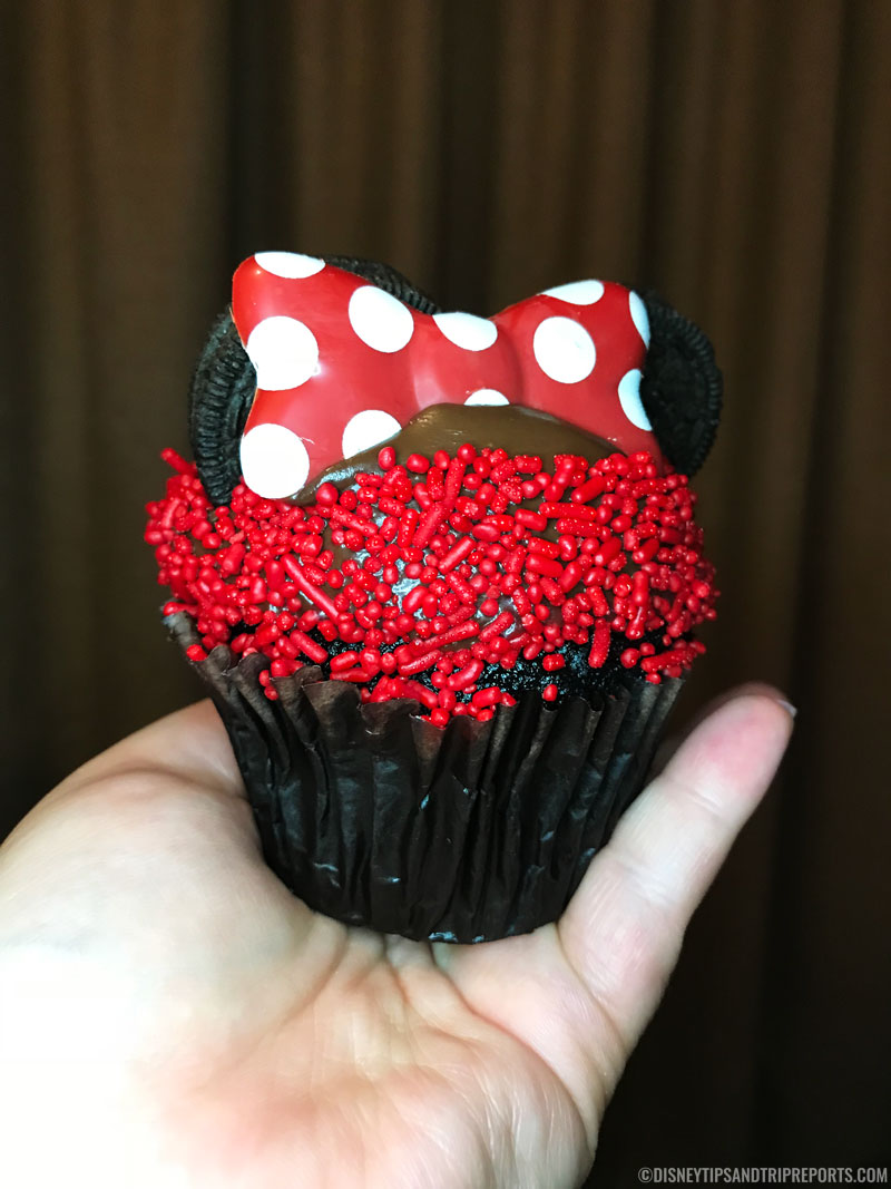Minnie Mouse Cupcake - Disney Dining - Captain Cook's
