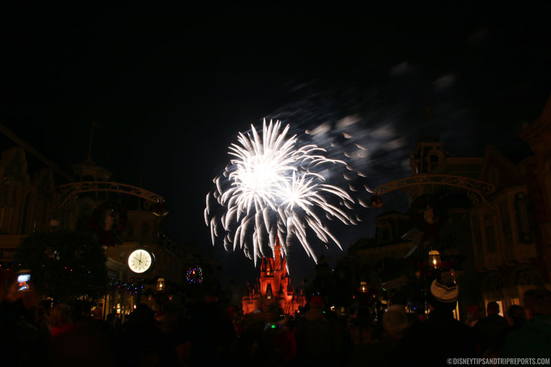 Holiday Wishes Fireworks - Mickey's Very Merry Christmas Party, Magic Kingdom