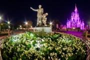 Magic Kingdom Hub - Partners (Walt Disney & Mickey Mouse) and Cinderella Castle