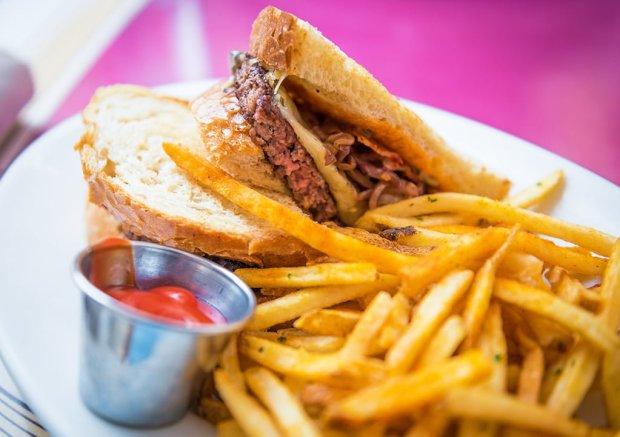 bacon-melt-carnation-cafe-disneyland