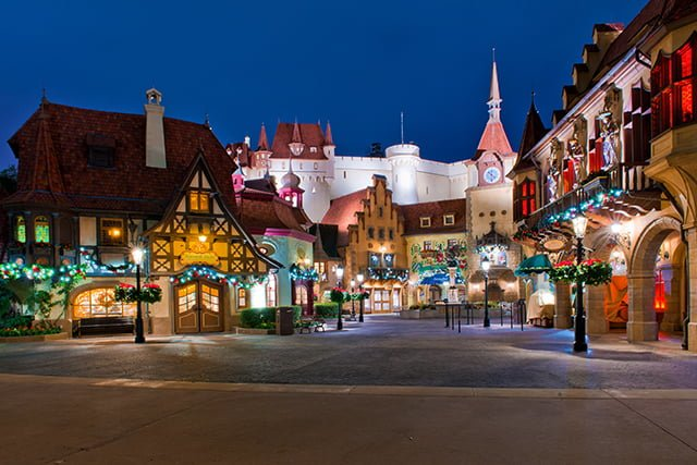 bricker-germany-epcot-wide-view-christmas