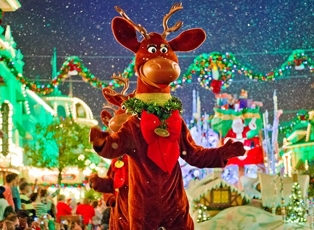 christmas-parade-reindeer
