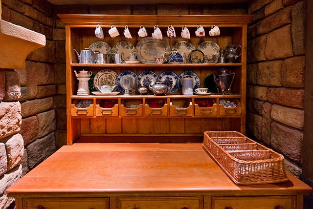 toad-hall-dishes