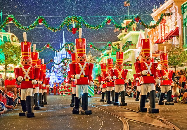 toy-soldiers-christmas-parade