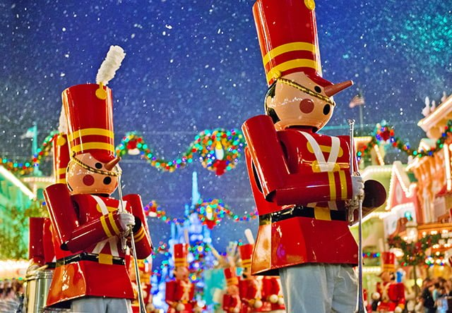 toy-soldiers-disney-world-christmas-parade