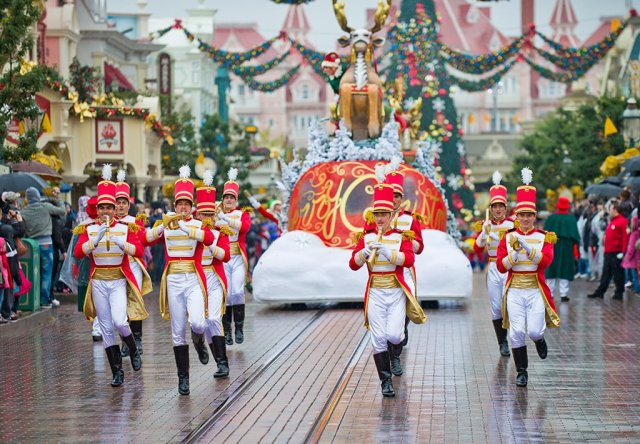 Christmas Cavalcade Soldiers