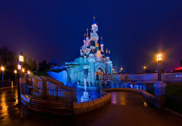 Sleeping Beauty Castle Normal Night