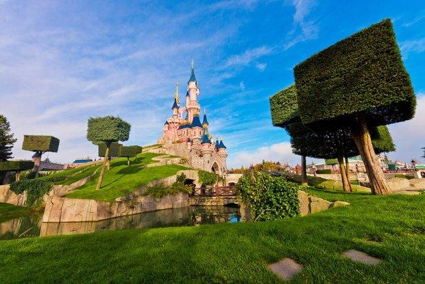 disneyland-paris-sleeping-beauty-castle-bricker
