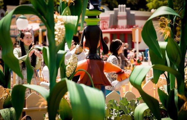 Tokyo-Disneyland-Spring-2013-0257