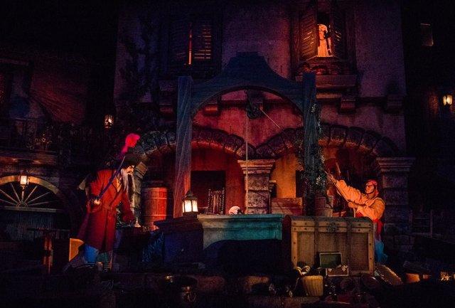 Tokyo-Disneyland-Spring-2013-0276