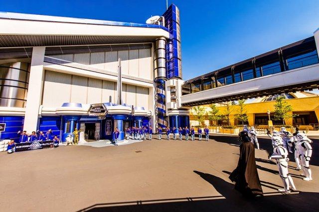 star-tours-tokyo-disneyland-grand-opening-2