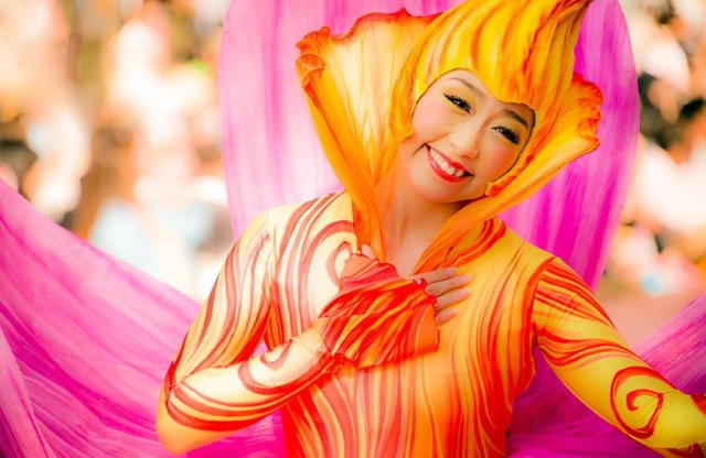flower-lady-tokyo-happiness-here-parade