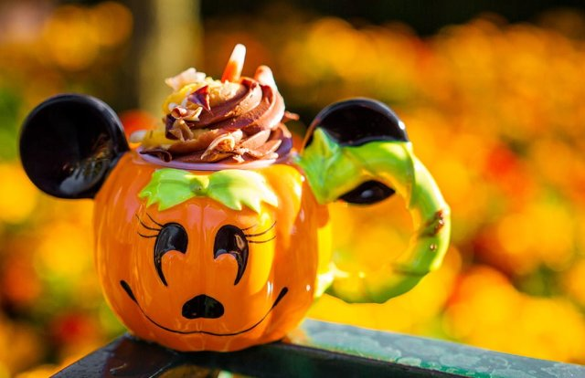 minnie-pumpkin-demitasse copy