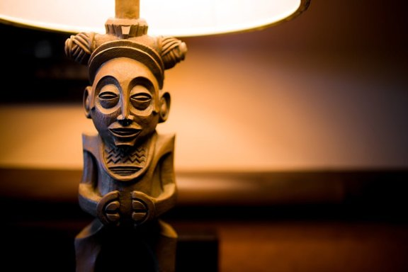 polynesian-village-resort-light-fixture