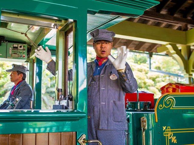 western-river-railroad-conductor