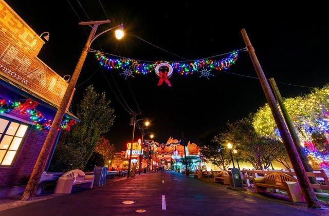 cars-land-christmas-night-wide