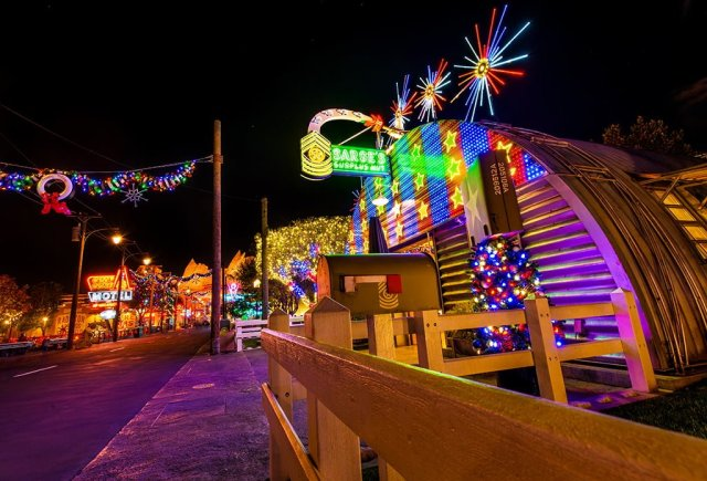 sarges-cars-land-christmas