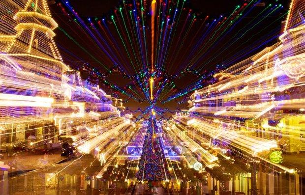 zoom-exposure-main-street-christmas