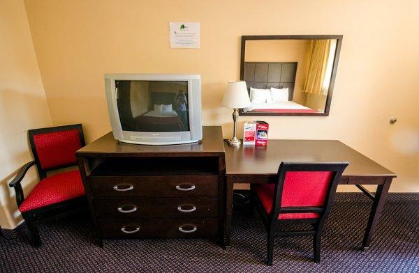 alpine-inn-tv-desk