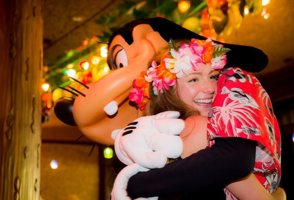 sarah-bricker-goofy-aulani-hawaii copy