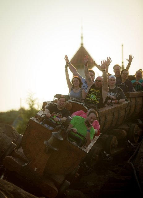 guests-mine-train-morning