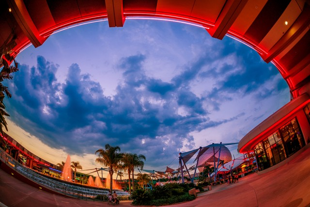 innoventions-dusk-fisheye-fountain-spaceship-earth