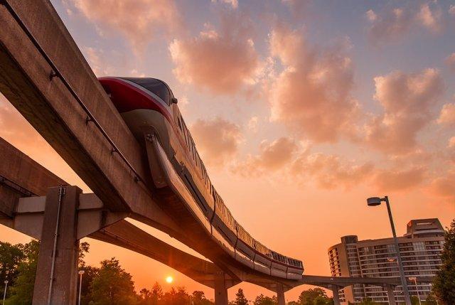 monorail-bay-lake-tower