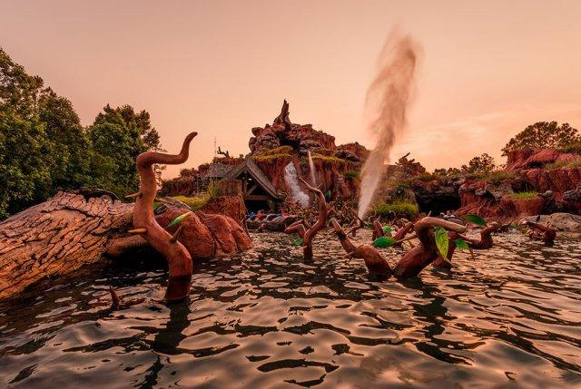 splash-mountain-sunset