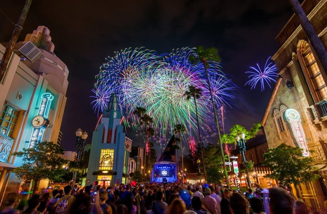 symphony-in-stars-disneys-hollywood-studios-star-wars-weekends-fireworks-2