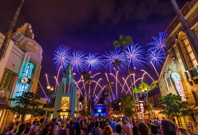 symphony-in-stars-disneys-hollywood-studios-star-wars-weekends-fireworks