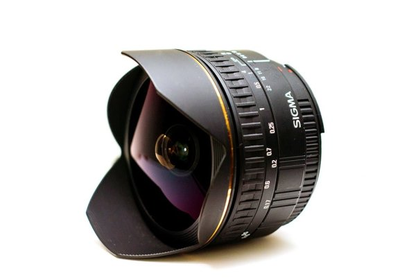 sigma-15mm-fisheye-lens