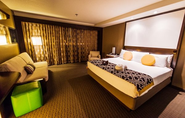 contemporary-disney-world-room-3