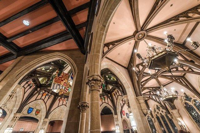 cinderellas-royal-table-ceiling