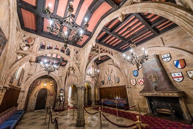 cinderellas-royal-table-entrance