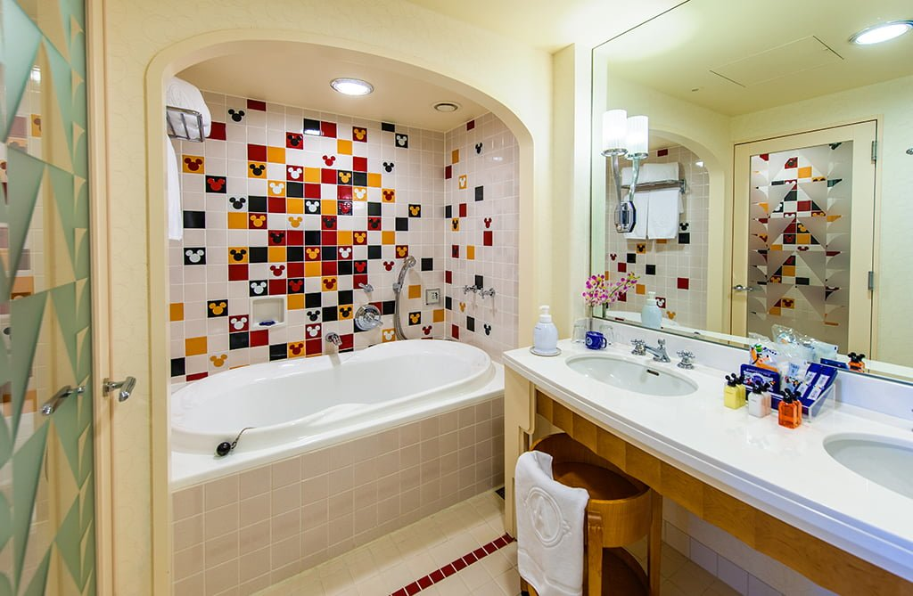 mickeys-penthouse-suite-008