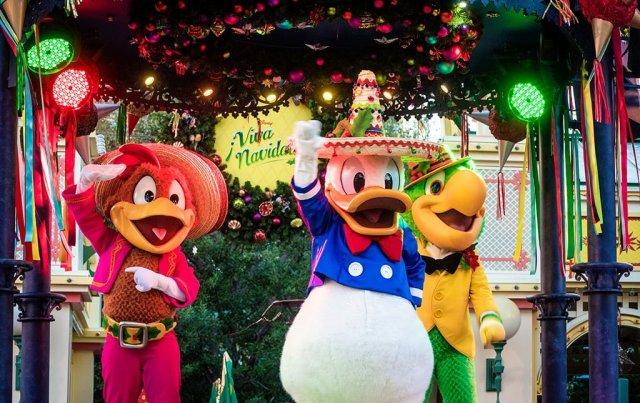 viva-navidad-three-caballeros