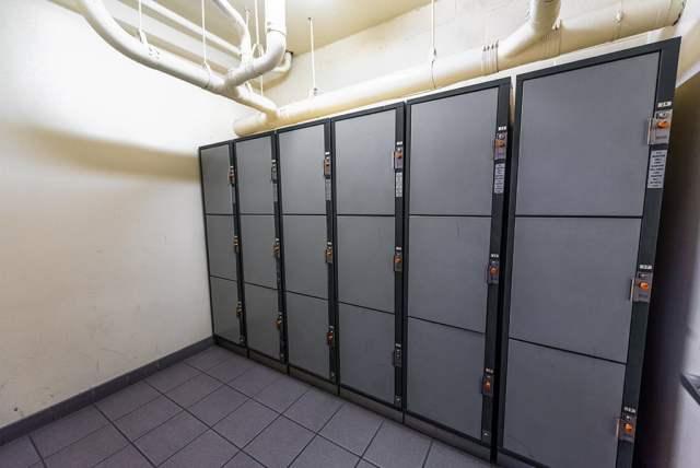 desert-inn-locker-room copy