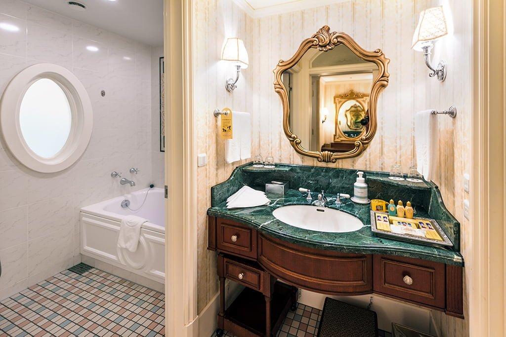 tokyo disneyland hotel review disney tourist blog. Black Bedroom Furniture Sets. Home Design Ideas
